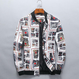 weiße tiger-druckjacke Rabatt England Style White Long Sleeves Short Herren Jacken Tiger Camera Print Herren Jacken Herren Mit Kapuzenjacke