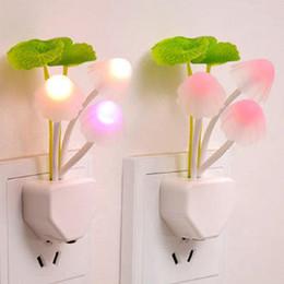 funghi Sconti 1pcs novità US EU Plug Led Night Light Induzione Dream Fungus 3 LEDs Lampada