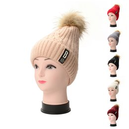 Wholesale decoration church - Winter Outdoor Add Wool Hat Yarn Knitted Warm Ear Guard Letter Decoration Beanie Men And Women Fashion Cap 9 9gc hh