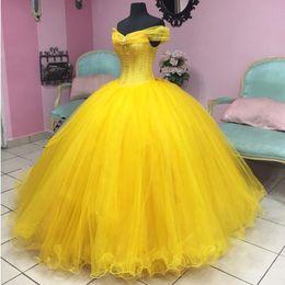 Corsés amarillos de talla grande online-2018 Cinderella Quinceanera Dresses Plus Size Amarillo Off The Houlder Ball Gown Prom Vestidos Corset Sweet 16 Vestido formal dijo Mhamad
