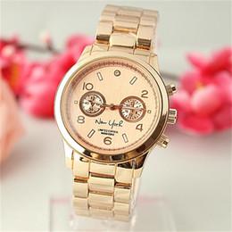 1abe97dad9fb Nueva moda de negocios de acero correa de reloj de cuarzo Simple estilo de  diseño clásico hombres mujer Relojes de cuarzo Comercio exterior venta de  estilo ...