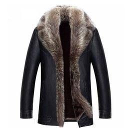 Mens Wintermantel Pelz Innen Lederjacke Echten Waschbären Pelzhaube Luxus Outwear Mantel Warme Verdickung Tops Plus Größe 4XL 5XL 2017 Heißer von Fabrikanten