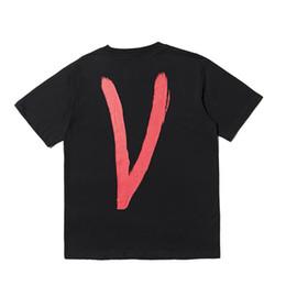 Argentina Marca camisetas tops Camiseta VLONE Hombre Tipo más nuevo Streetwear Moda Big V Camisetas de manga corta impresas Hip Hop Patinetas Amigos cheap t shirt print type Suministro