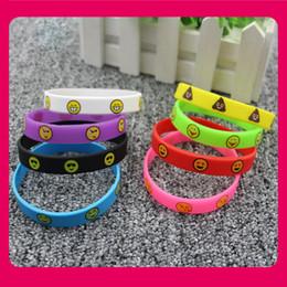 Jolis bracelets Emoji 8 couleurs bracelets en silicone émoticônes mignons bracelets d'impression cadeaux de promotion de jouets pour enfants 20.2x1.2cm ? partir de fabricateur