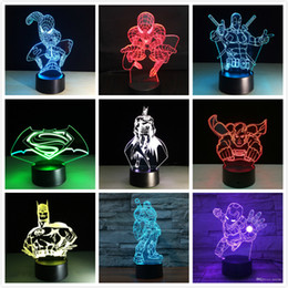 Changement de couleur nuit jouet lumière en Ligne-Nouveau Marvel Avengers Batman Deadpool Captain America Ironman USB Touch 7 Changement de couleur Veilleuse Led Glow in the Dark Figurine Jouet Enfant