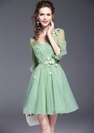 8bbb584bf Mulheres verão designer de moda feminina dress flor doce vestidos de menina  com decote em v femme chiffon malha sexy bordado beading dress