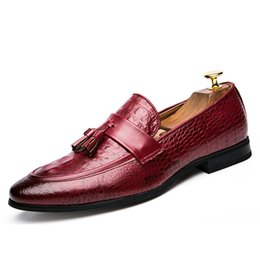 Wholesale formal design leather shoes - high quality 2018 new design unique genuine leather men shoes zapatos hombre snake luxury brand formal casual mens loafers shoes