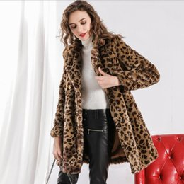 2019 usar abrigo de leopardo 2018 Invierno Nuevo Faux Fur Coat Imitación Mujeres Coreanas Elegante Street Wear Leopard Fur Coat gruesa Outwear Sexy Overcoat L1276 usar abrigo de leopardo baratos