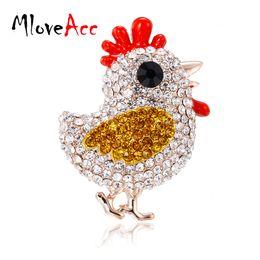vestiti di pollo Sconti MloveAcc Crystal Chick Brooch Lovely Little Pollo Corsage Dress Collar Suit Maglione Decorazione banchetti Spilla donna Hijab Pin