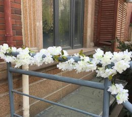 2019 decorazioni da party fucsia (Bianco rosa fucsia) Artificiale stringhe di fiori, 180 cm in rattan con 105 fiori, decorazione della casa per matrimoni decorazioni da party fucsia economici