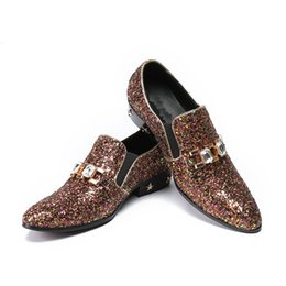 Wholesale Halloween Leather Costume - 2018 Gold Sequin Celebrate Dress Shoes Men's Fashion Nightclub Stage Costume Shoes for Men Oxford Shoes