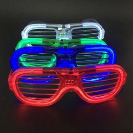 2019 frio instantâneo 10 pçs / lote new blinds frio luz óculos brinquedos flash cheer natal festa do dia das bruxas presente toys frio instantâneo barato