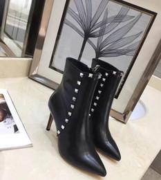 2018 automne et hiver nouveau super jambe réparation sexy rivet bottes courtes haut du pied sexy beau noir cuir rouge noir taille 35-41 ? partir de fabricateur