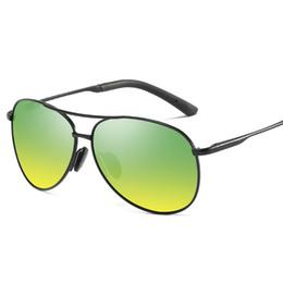 2020 occhiali da sole piloti Occhiali da sole pilota Oculos Aviador Night Driving Glasses Vision Nocturna Uomo Lunette De Soleil Femme 2018 Occhiali da sole Occhiali occhiali da sole piloti economici