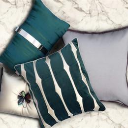 Cuscini in oro blu online-vendita all'ingrosso cuscino di lusso di bambù oro ricamo cuscino decorazione almofada cojines verde blu rosa velluto hotel housse de coussin