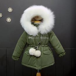 chaquetas invierno pieles Rebajas 2018 nuevos niños con capucha gruesa abrigo de invierno niñas de manga larga Outwear niños chaqueta de cuello de piel C3297