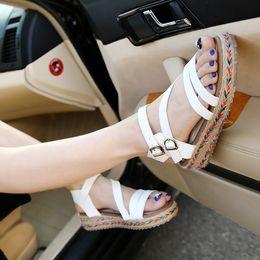 Scarpe focaccine coreane online-2018 Estate nuovi sandali femminili coreani Muffin di crosta spessa scarpe Roma Grandi scarpe basse da cantiere