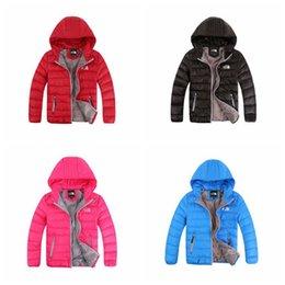 2019 детские зимние пальто Дети вниз пальто мальчики девочки зимние куртки с капюшоном теплый камуфляж твердые пальто лыж носить вниз пальто детские дети мода одежда пиджаки YFA222 дешево детские зимние пальто