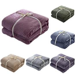 Простые одеяла онлайн-Японский Стиль Медовый Гребень Коралловый Флис Одеяло Обычная Окрашенная Моющиеся Лето Бросок Мягкий Теплый Ворсовый Покрывало Покрывало для Взрослых Кровать Одеяла