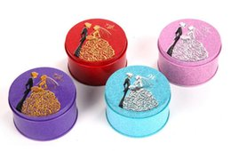 Wholesale bride wedding tin box - 300pcs Round Shape Metal Tin Material Bride Groom Candy Box Wedding Favor Gift Favours Wedding Party