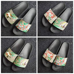 Wholesale bird appliques - 2018 mens and womens fashion bird flower butterfly flower printing leather slide sandals with rubber sole male female slippers