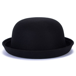 2018 Spring Autumn Winter Faux Wool Fedoras Hats for Women Bowler Hats  Vintage Dome Caps Chapeau Top Solid Color Winter Cap 033527bede6d