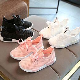 1.5 zapatos casuales de niños online-Boy Zapatos de otoño del resorte para niños 2,018 acoplamiento de la manera ocasional de los niños zapatillas de deporte para la niña bebé niño pequeño transpirable Zapato del deporte