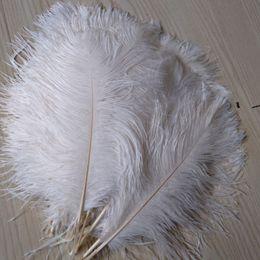 Penas de avestruz para casamentos on-line-2020 Pena de Avestruz pluma Branco 14-16 polegada (35-40 cm) Decoração de Casamento Peças Centrais de festa suprimentos fontes festivas casamentos deco