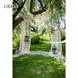 2019 im freien hintergrund fotos Laeacco grüne Blumen-Baum-Vorhang-Käfig-Hochzeits-Gras-Foto-Hintergründe im Freien kundengebundener photographischer Hintergrund für Foto-Studio günstig im freien hintergrund fotos