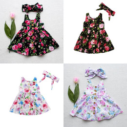 розовые цветы Скидка 2 цветов детские летние платья 2шт/комплект девушки одежда Роуз цветочные платья дети кнопки малыша платья с бантом повязка