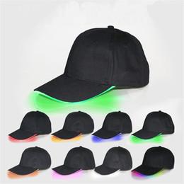 2019 ha condotto il cappello del cappello del cappello LED Berretto da baseball Berretti a sfera LED Light Night Luminoso Snapbacks Unisex Cambiare Mode Flash singolo Colore Peak Cap Sport Pesca Cappelli 32 colori ha condotto il cappello del cappello del cappello economici