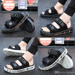 pantoufles de designer compiler des pantoufles d'été chaussures pour hommes tongs pour les hommes amples pantoufles de plage tongs en caoutchouc sandales de plein air ? partir de fabricateur