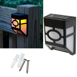 luci solari super luminose del paesaggio Sconti Solar Garden Lights Fence lamp Outdoor Garden Lampade da parete solare 2LED Lampioni a energia solare