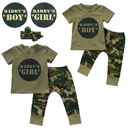 2020 tienda de bebé al por mayor Recién nacido Baby Boy Girls Outfits T-shirt Pantalones de camuflaje diadema 2018 Daddy's Boys Girl Kids Clothes Wholesale Boutique Baby Clothing tienda de bebé al por mayor baratos