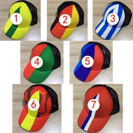 2018 Rusia Copa del mundo gorra gorra de punto Gorra temática Bordado Equipo  del país Símbolo Gorras Deportes Gorros de béisbol ajustables para hombres  y ... 376e960d266