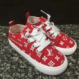 2019 chaussures en gros de brevets pour bébés Flat Shoes for Kids Designer Trend Brand Children Casual Sport Shoes EUR SIZE 22-35 Luxuy Sneaker for Boys and Girls