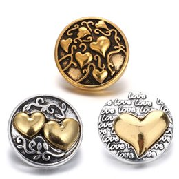 Wholesale alloy tv - New Gold Snap Jewelry Vintage Love Heart Metal 18mm Snap Buttons Fit Snap Button Bracelet for Women Valentine's Day Gift
