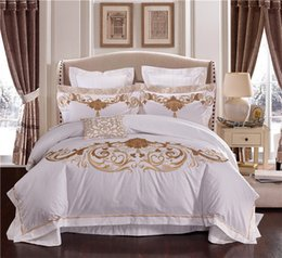 Wholesale Embroidered Pink Duvet Covers - 100S Egypt Cotton Embroidery White Color King Queen size Bedding sets wedding Luxury Bed set Duvet cover set Bedspread Linen