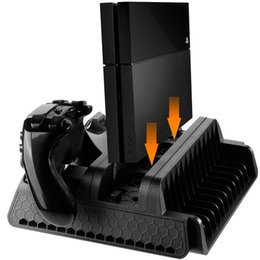Controlador ps4 más frío online-Soporte vertical serie PS4 con ventilador de refrigeración y controladores duales Estación de carga para PS4 / PS4 Slim / PS4 Pro, 3 ventilador de refrigeración incorporado