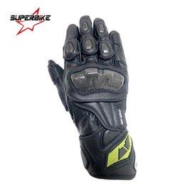 кожаные перчатки gp pro Скидка Мотоцикл перчатки мужчины GP PRO углеродного волокна Moto перчатки из натуральной кожи Велоспорт гоночное оборудование мотокросс супербайк Марка