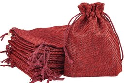 2019 bolsos del favor de borgoña BURGUNDY 7x9cm 9x12cm Mini bolsa de yute lino de cáñamo regalo de la joyería bolsa de lazo bolsas para favores de la boda, cuentas bolsos del favor de borgoña baratos