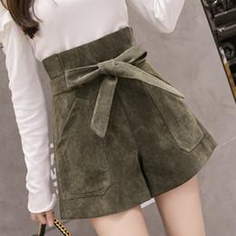 Calções de veludo novos on-line-2018 Nova Moda Lace-Up Shorts De Cintura Alta Mulheres Outono Inverno Corduroy Shorts De Perna Larga Ocasional