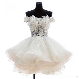 s'habille mannequin Promotion robes de fiesta cortos Party 2019 épaule courte mini robes de cocktail de bal d'étudiants organza robe de bal robes de soirée