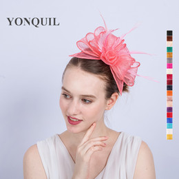 Wholesale sinamay cocktail hat - NEW ARRIVAL high quality multiple colors nice pink kentucky sinamay fascinators with feather cocktail party hat wedding headwear