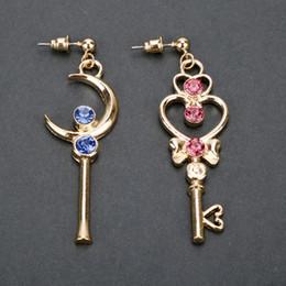 2019 luna azul marinero dongsheng Anime Sailor Moon Gold Color Moon con azul rojo Crystal Wand Magic Key Pendientes forma para niñas Gifts-15 rebajas luna azul marinero