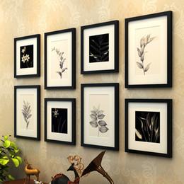 Telai di legno poco costosi online-Cornici per foto a parete nera tema albero colorato per foto 8 pezzi / set Cornici Vintage Set Photo Frame in legno a buon mercato per la casa