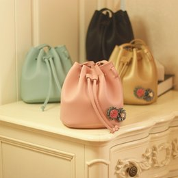 Wholesale Fashion Hangbags - Fashion Korean New Children Bucket bag 2018 Girls princess Bags mini Messenger Bag floral Shoulder Bag Leather Bags Kids Handbags A1575