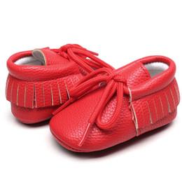 2019 reine spitze hart Baby-Schuhe reine Farbe rutschfeste harte Unterseite Lace-up wasserdichte PU erste Wanderer Kind Prewalker günstig reine spitze hart