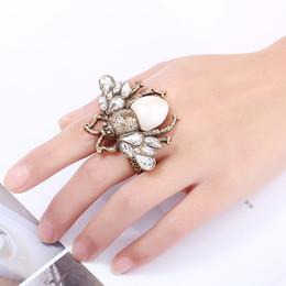 Double finger rings en Ligne-Femmes Crystal Résine Honeybee Bee Ring Double Double Bague Ouverture Taille Réglable Dancing Party Décoration
