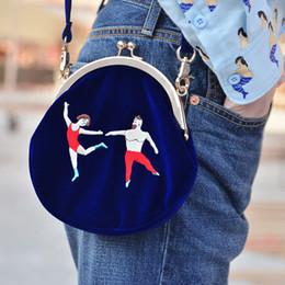 2019 cerchio di ricamo CALDO! YIZI borsa da donna vintage in velluto con ricami borse da donna a forma di semicerchio tonda originale progettata cerchio di ricamo economici